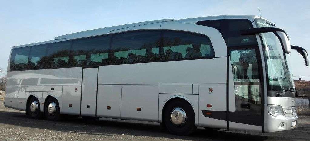 seller.az İstənilən istiqamətə 55 yerlik Mercedes Traveqonun sifarişi.